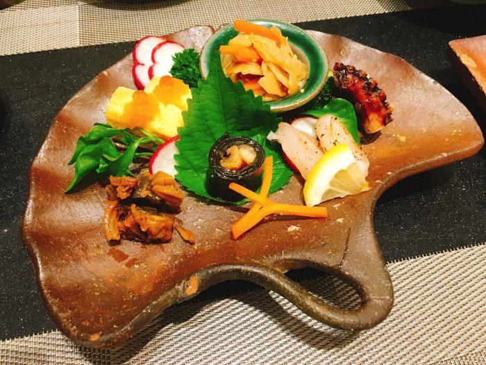 前菜盛り合わせ。タイ料理や外国の料理に飽きて、日本料理が恋しくなった時にいいかもしれません。THE日本の味です。
